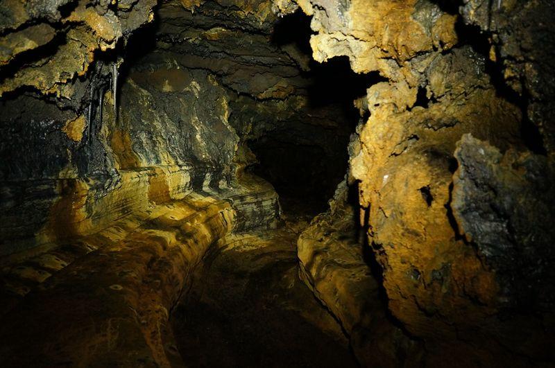 Tunnel de lave du Piton bleu (60)
